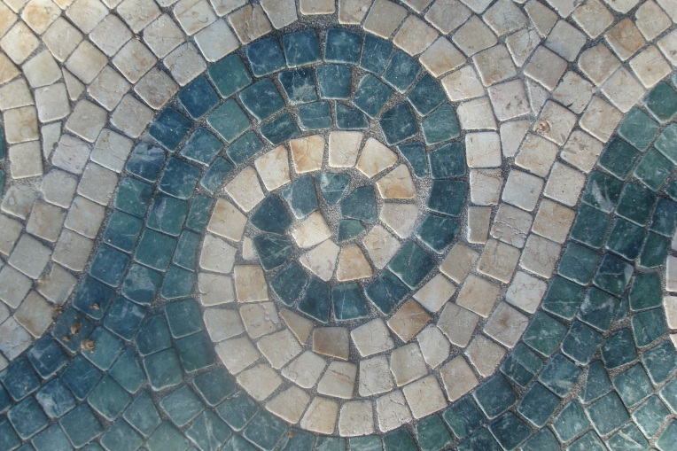 Mosaic tile at Baytowne Wharf fountain