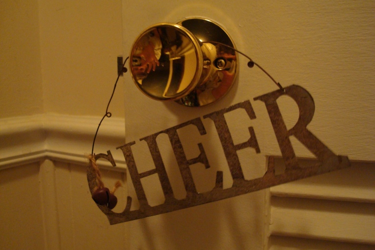 Doorknob cheer