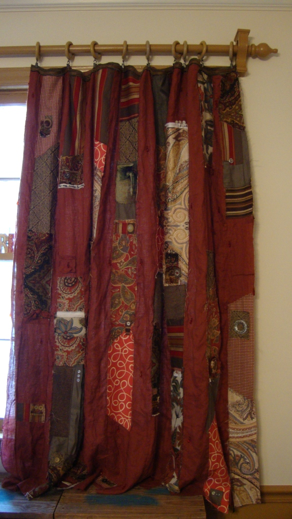 The right panel on quilted rag strip gypsy curtains - so easy. SO gorgeous!